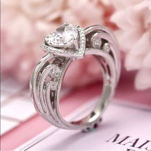 🆑  White Sapphire Heart Shaped/ Band In .925